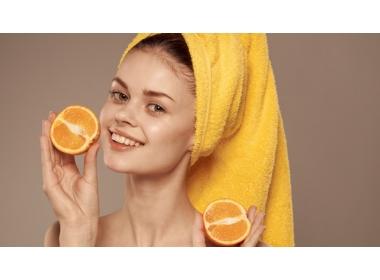 Vitamine per capelli: cosa mangiare per stimolare la crescita